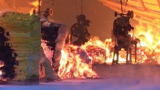Cháy lớn tại xưởng sản xuất hàng mã, đũa tre xuất khẩu ở Tuyên Quang