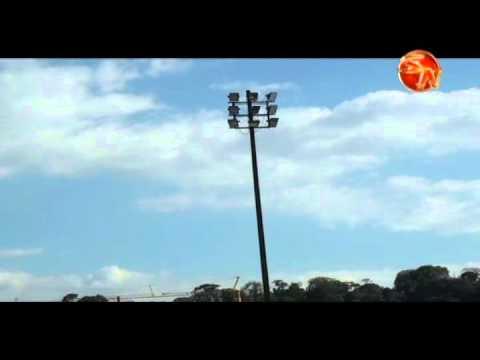 colocación de torres de iluminación del estadio municipal tienen dos