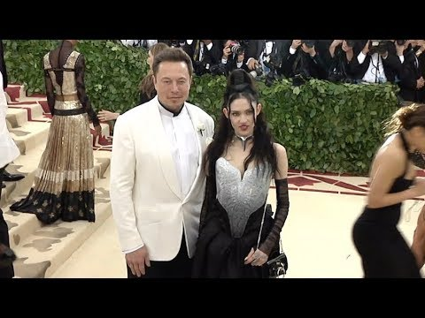 Grimes, Elon Musk's Girlfriend: 5 Fast Facts You Need to Know