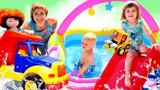 Фото Машинки надувают бассейн - Маша Капуки, Бьянка и Карл на Капуки Кануки! Видео для детей