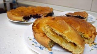 Пирог с абрикосовым вареньем и пирог с черной смородиной!