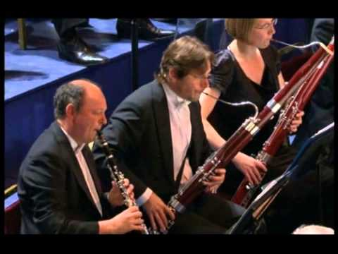Bach-Wood 'Prelude in E' - Andrew Litton conducts