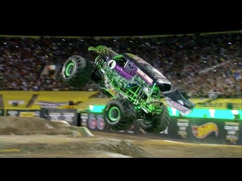 Monster Jam World Finals 17 (2016) Grave Digger Freestyle - Dennis Anderson