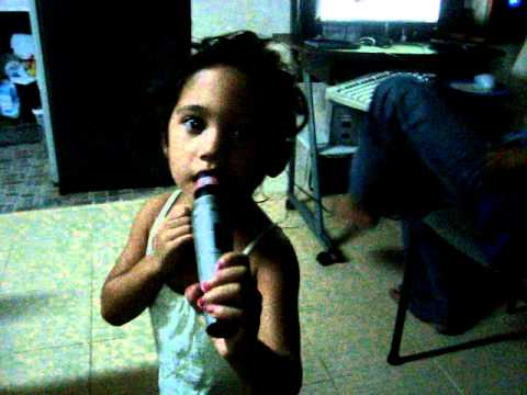 Adele - Rolling in the deep (kid singing)