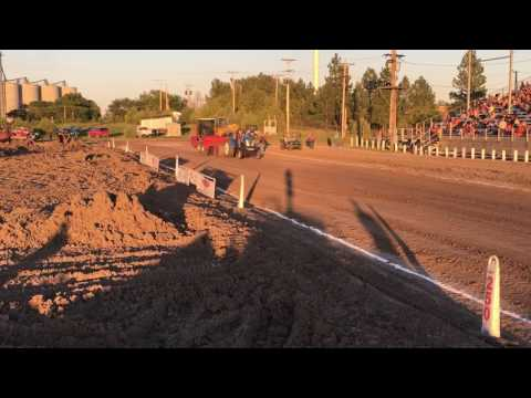 "Heartland Pulling Series: Don Peters ""T 7040"" (Hemingford, NE)"