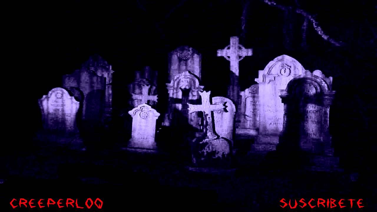 Noche En EL Cementerio