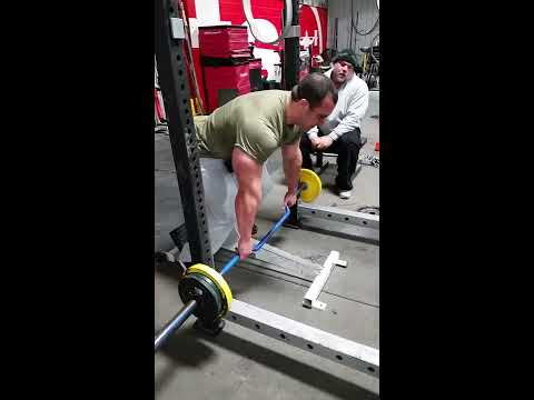 Chest supported row with IFBB Pro Andrew Hudson