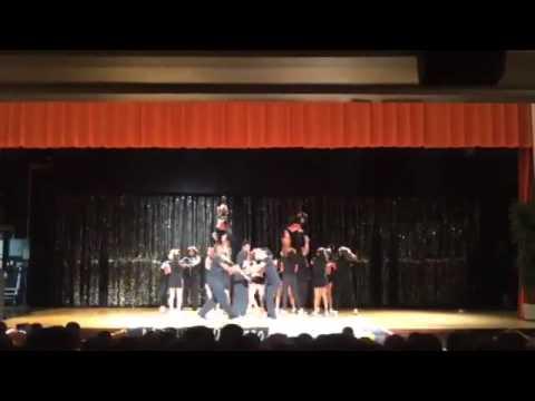 North Dallas High School cheerleaders - YouTube
