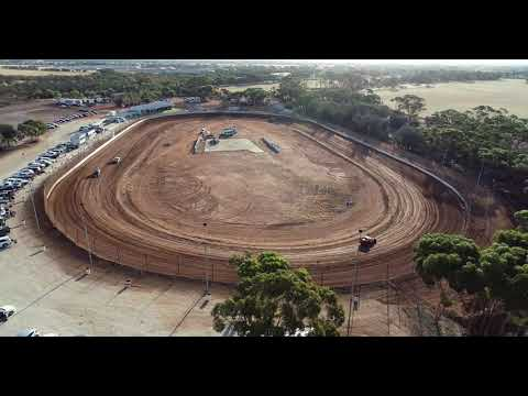 Moora Speedway 18 Jan20. - dirt track racing video image