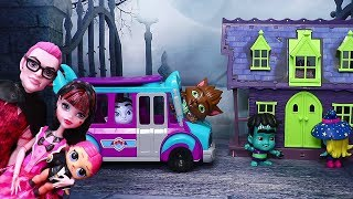 LOL Families ! Monster School | Toys and Dolls Fun Pretend Play for Kids Opening Blind Bags | SWTAD