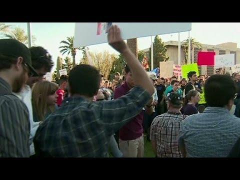 Protestors rally against Arizona bill