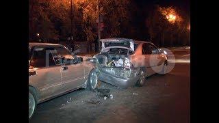 Автолюбительница разбила три машины в Хабаровске, сворачивая направо. Mestoprotv