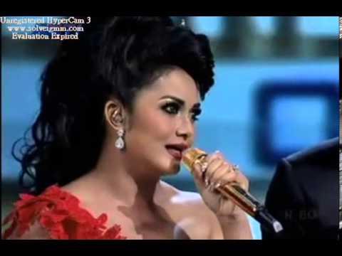 Krisdayanti   Syahrini   Aku Tak Sanggup Aku Tak Biasa Medley Anugerah Seputar Indonesia 2013