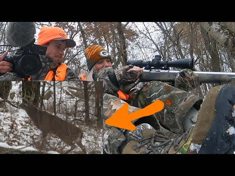 BIG BUCK Walks Out And Girl's MuzzleloaderJAMS!!! (deer Hunting)