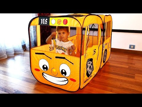 Roma and Diana Pretend play with School Bus Tent The Wheels On The Bus - Fun Songs for Children