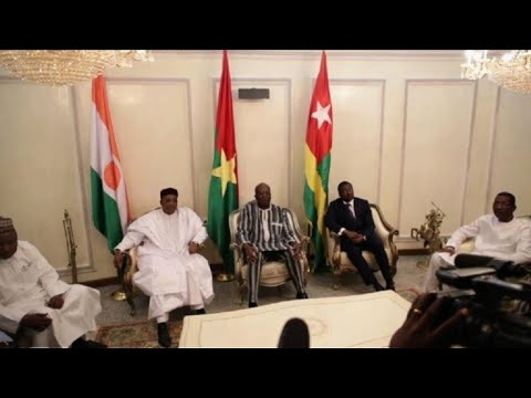 Nigerian, Togolese presidents visit Burkina Faso after attacks