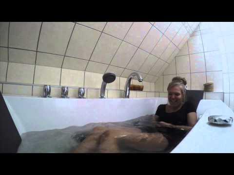 Ice Bath Challenge w/ pest eller kolera- Blondinen Och Brunetten