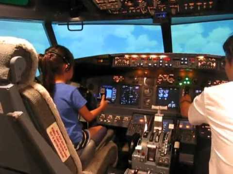 7 Year old in 737 Simulator