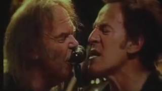 Bruce Springsteen w/ Neil Young Keep On Rockin' In The Free World (Live VFC 2004 10 05)