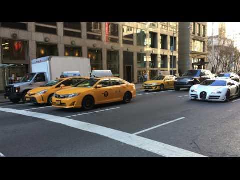 Bugatti Veyron - New York Manhattan 5th Ave
