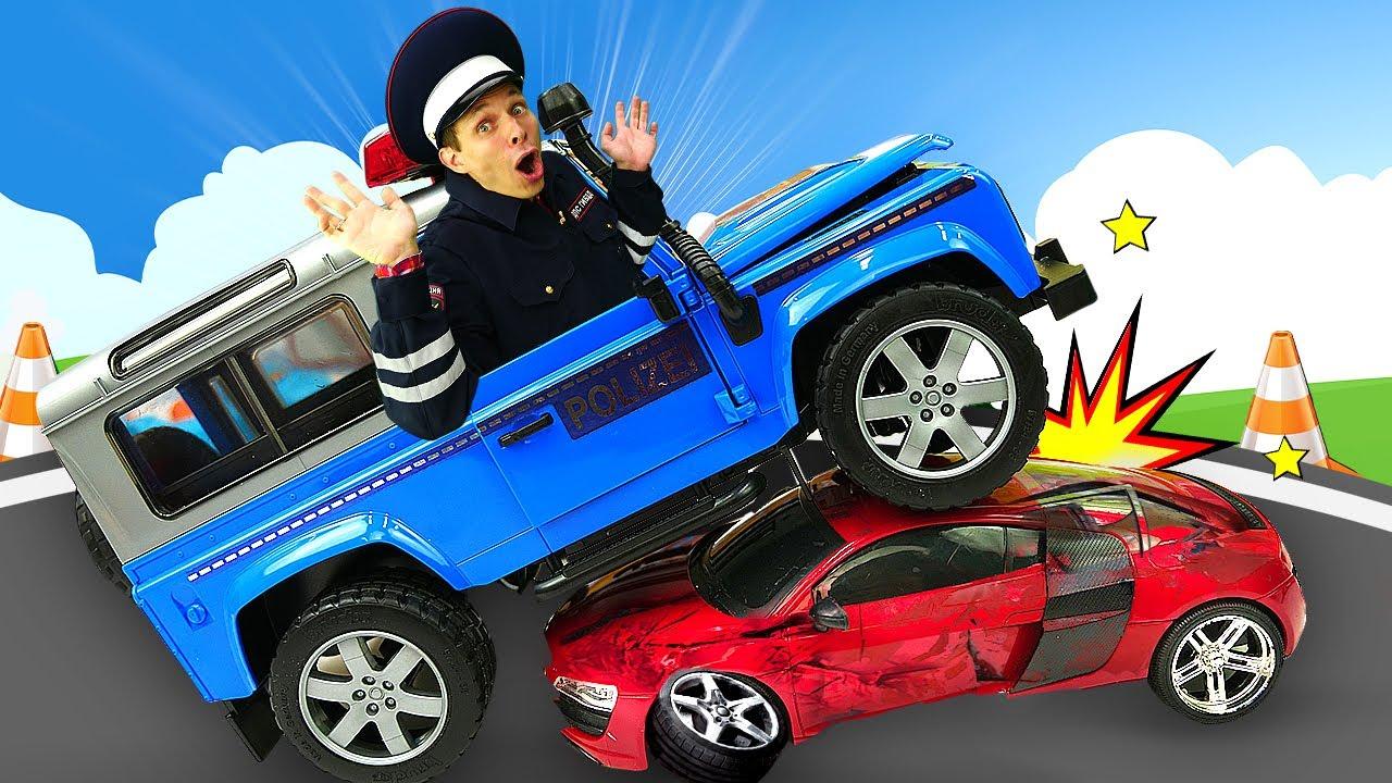 Игры для мальчиков - Прокачиваем Полицейскую машину! Инспектор Фёдор VS нарушителей в видео онлайн