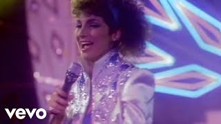 Watch Gloria Estefan Conga video
