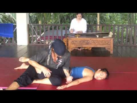 ZenThai Tutorial :: Massage Flow 2013 with Gwyn Williams at Shanti Agung Bali