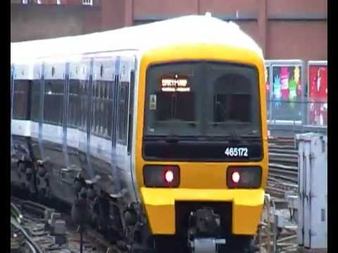 465072 departs London Victoria with a service to Dartford
