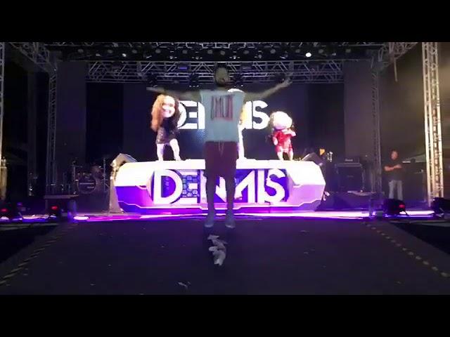 Dennis dj faz show em Muzambinho no carnaval