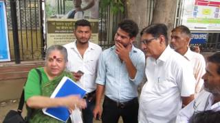 Dr Vandana Shiva joins farmers at Agricultural Ministry