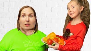 Маша учит маму правильно питаться и заниматься спортом