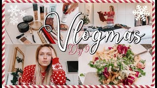 PACK WITH ME + MY TRAVEL ESSENTIALS ♡ VLOGMAS 2018
