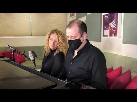 COSAS QUE ECHO DE MENOS - Erika Ender (A Piano y Dos)