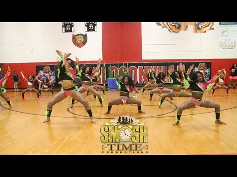 pro-status-dance-and-cheer---performance-to-hot-foot-2019