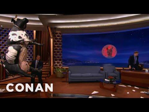 Conan Upgrades To iOS 7