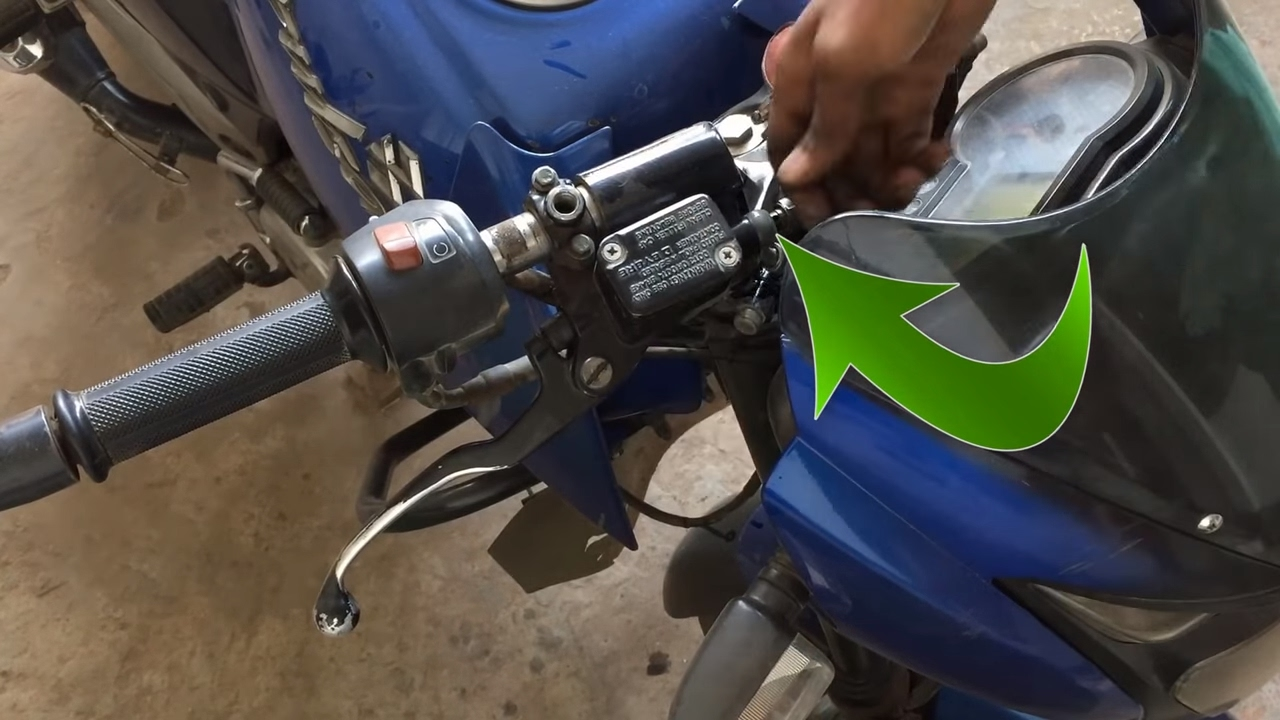 How To Rebuild A Master Cylinder On Motorcycle Youtube Sr500e Yamaha Front Disc Brake Caliper Diagram And Parts