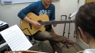 イオンモール熊本店でアコースティックギターを体験してみた