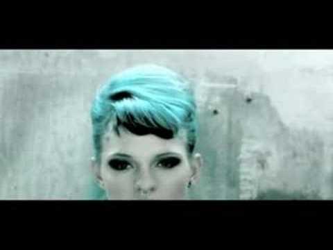 Love Is A Bitch - Los Concorde (Video Completo)