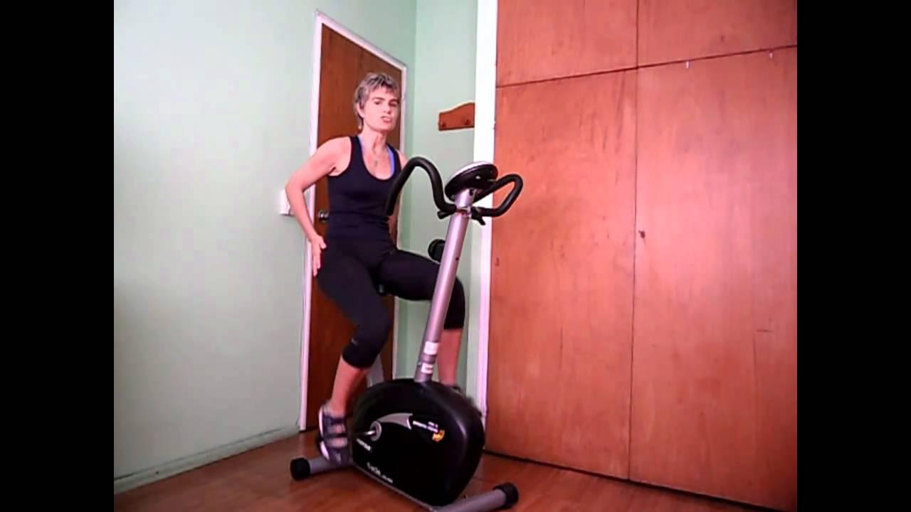 Ejercicios con bicicleta fija para bajar de peso