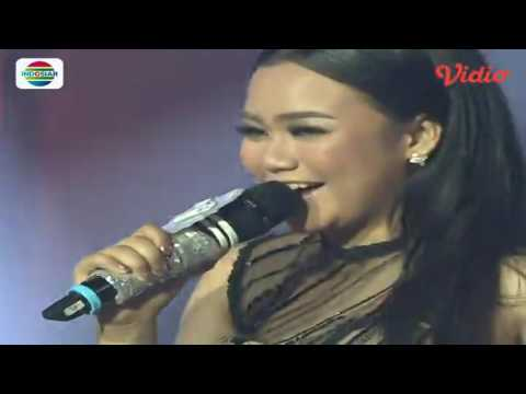 Aulia (Pontianak) feat Angels Percussion - Makan Darah (D'Academy 4 - Konser Final Top 4 Result)