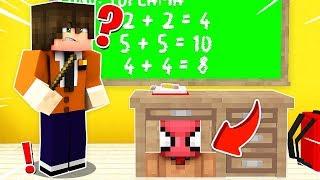 FAKİR SINIFTA ÖĞRETMENDEN SAKLANDI! 😱 - Minecraft