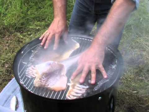 Weber Elektrogrill Räuchern : Fische räuchern weber smokey mountain cooker von etheontv