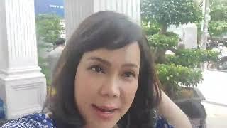 SHOWBIZ| Nghệ sĩ Việt Hương livestream hậu trường phim mới