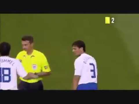 Jamais vu 16 cartons jaunes et 3 rouges c le football