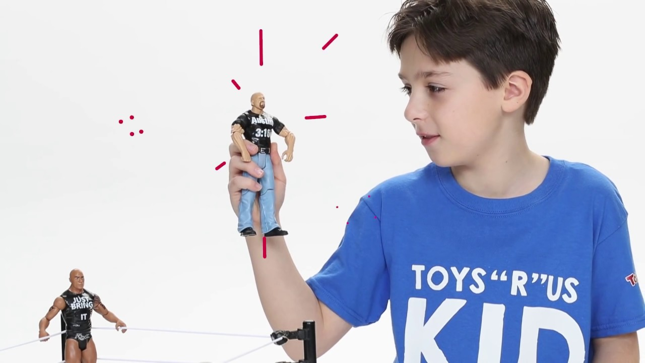Toys R Us Wwe Rings : Kids unboxing toys episode wwe tough talkers