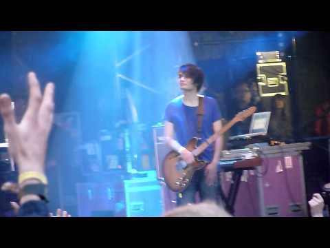 Radiohead (special guests) - Street Spirit (Fade Out) @ The Park, Glastonbury Festival 2011-06-24