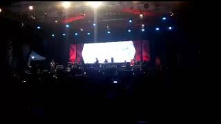 Iwan Fals - Siang Sebrang Sebuah Istana Live SURABAYA bikin merinding