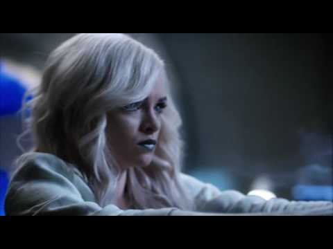 The Flash 3x19 Opening Scene Killer Frost Attacks Team Flash