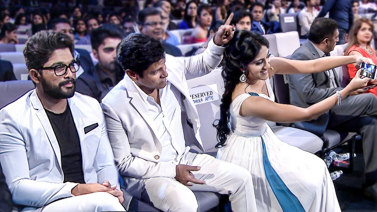 Download Allu Arjun And Vikram Selfie Moments At SIIMA