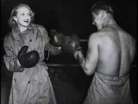 Клип Marlene Dietrich - Wer wird denn weinen